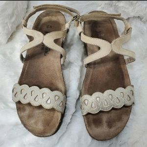 Naot bling sandal in taupe
